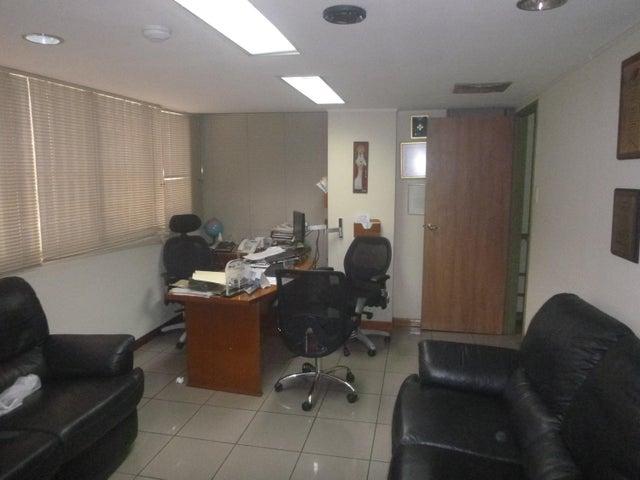 Local Comercial Distrito Metropolitano>Caracas>Las Acacias - Venta:175.000 Precio Referencial - codigo: 17-14495