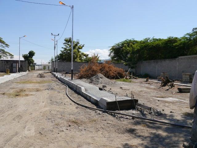 Terreno Lara>Cabudare>El Paraiso - Venta:4.500 US Dollar - codigo: 17-14529