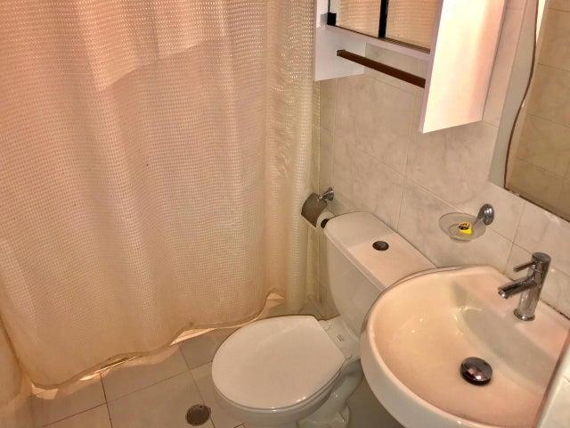 Apartamento Distrito Metropolitano>Caracas>La Carlota - Venta:45.000 US Dollar - codigo: 17-14536