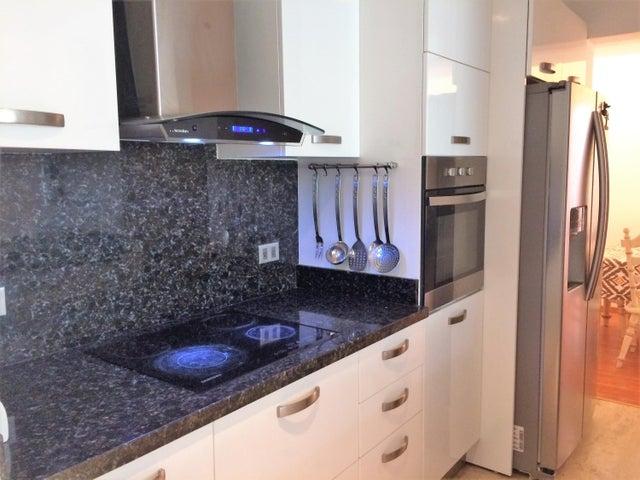 Apartamento Distrito Metropolitano>Caracas>Macaracuay - Venta:78.000 Precio Referencial - codigo: 17-14584