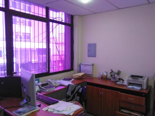 Local Comercial Lara>Barquisimeto>Centro - Venta:200.000 Precio Referencial - codigo: 17-14605
