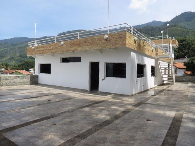Galpon - Deposito Distrito Metropolitano>Caracas>San Bernardino - Venta:10.859.500.000.000 Precio Referencial - codigo: 17-14668