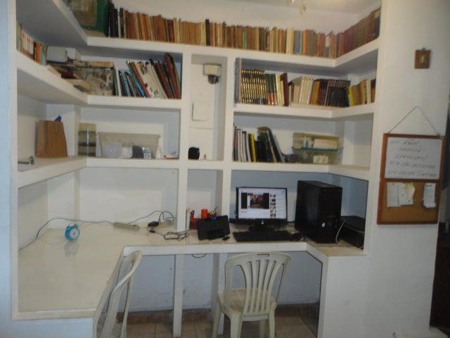 Apartamento Distrito Metropolitano>Caracas>Los Chaguaramos - Venta:50.000 Precio Referencial - codigo: 17-14629