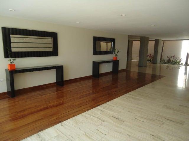 Apartamento Lara>Barquisimeto>Colinas De Santa Rosa - Venta:16.116.000.000 Bolivares Fuertes - codigo: 17-14670