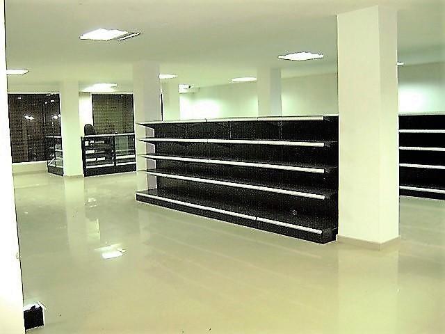 Local Comercial Distrito Metropolitano>Caracas>La Florida - Venta:1.038.438.000.000 Bolivares - codigo: 17-14700
