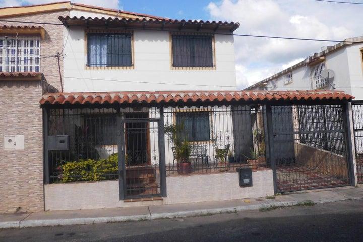 Casa Lara>Cabudare>Parroquia Cabudare - Venta:6.466.000.000 Bolivares - codigo: 17-14732