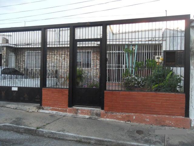 Casa Lara>Barquisimeto>Parroquia Catedral - Venta:6.928.000.000 Bolivares Fuertes - codigo: 17-14756