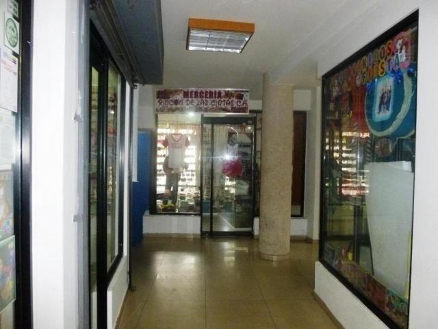 Local Comercial Zulia>Ciudad Ojeda>Avenida Bolivar - Venta:823.000.000 Bolivares - codigo: 17-14798