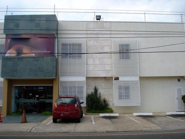 Consultorio Medico  Zulia>Maracaibo>Las Mercedes - Alquiler:11.000 Precio Referencial - codigo: 17-14804