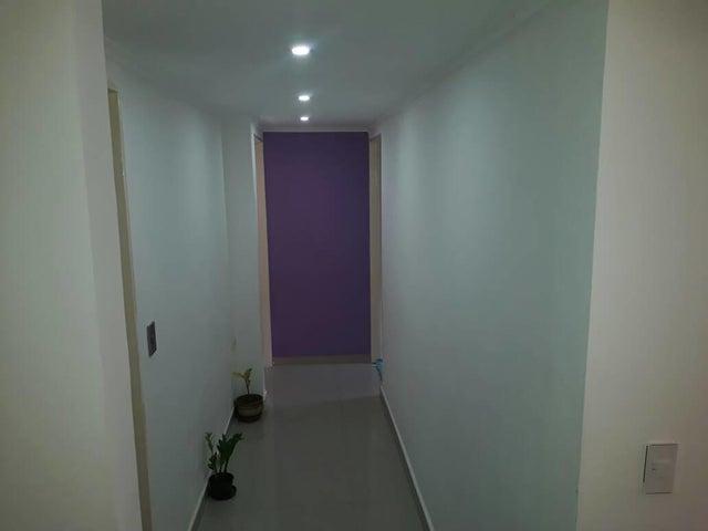 Apartamento Distrito Metropolitano>Caracas>El Encantado - Venta:50.000 US Dollar - codigo: 17-14806