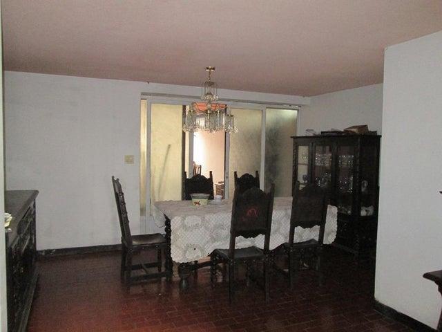 Casa Distrito Metropolitano>Caracas>El Cafetal - Venta:25.404.000.000 Bolivares - codigo: 17-14810