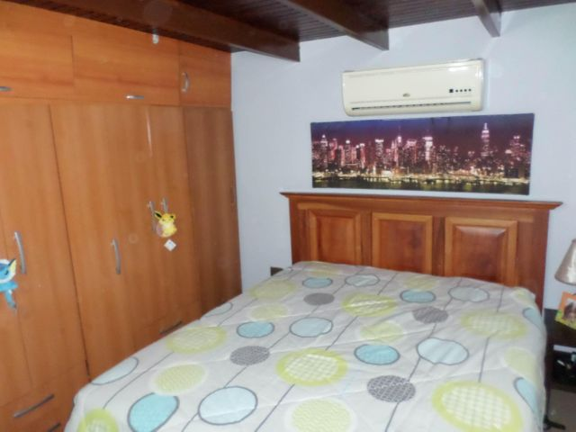 Casa Lara>Cabudare>Parroquia Jose Gregorio - Venta:9.231.000.000 Bolivares - codigo: 17-14848