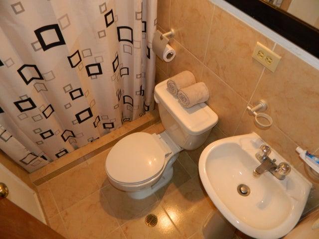Apartamento Miranda>Los Teques>Municipio Guaicaipuro - Venta:108.190.000.000 Precio Referencial - codigo: 17-14844