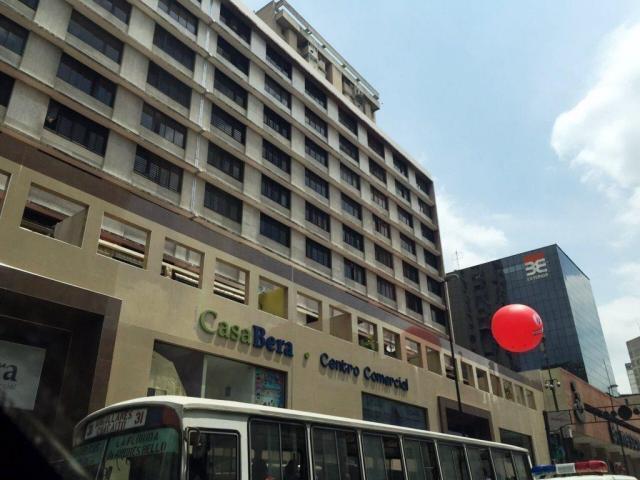 Local Comercial Distrito Metropolitano>Caracas>La Candelaria - Venta:5.769.000.000 Bolivares - codigo: 17-14879