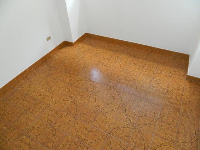 Apartamento Distrito Metropolitano>Caracas>Valle Abajo - Venta:50.000 US Dollar - codigo: 17-14948