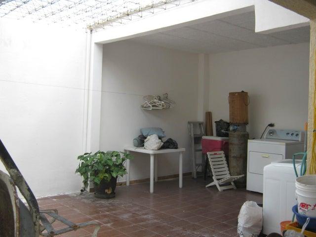 Casa Carabobo>Municipio San Diego>La Cumaca - Venta:19.681.000.000 Precio Referencial - codigo: 17-11686