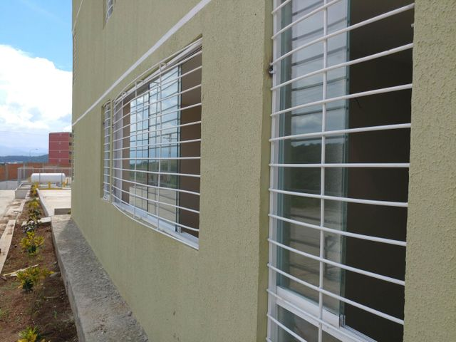 Apartamento Miranda>Charallave>Mata Linda - Venta:2.302.000.000 Bolivares Fuertes - codigo: 16-16664