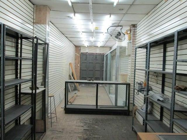 Edificio Distrito Metropolitano>Caracas>Catia - Venta:250.000 US Dollar - codigo: 17-15496