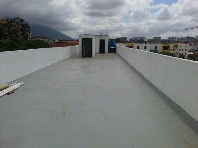 Local Comercial Distrito Metropolitano>Caracas>Catia - Venta:114.036.000.000 Bolivares - codigo: 17-15423