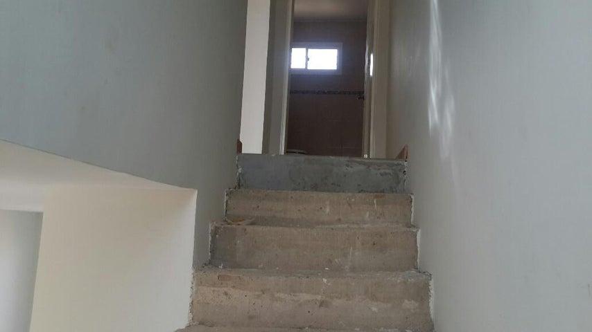 Townhouse Falcon>Punto Fijo>Puerta Maraven - Venta:20.000 Precio Referencial - codigo: 17-15411