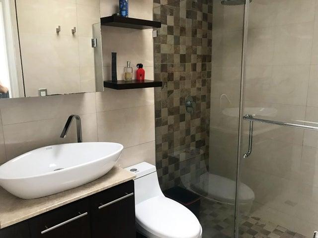 Apartamento Distrito Metropolitano>Caracas>La Tahona - Venta:46.514.000 Precio Referencial - codigo: 17-15422
