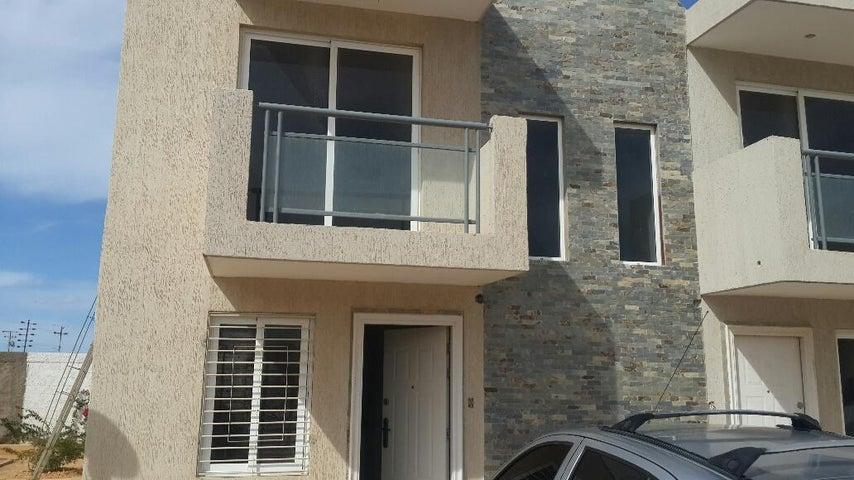 Townhouse Falcon>Punto Fijo>Puerta Maraven - Venta:1.862.000 Precio Referencial - codigo: 17-15411