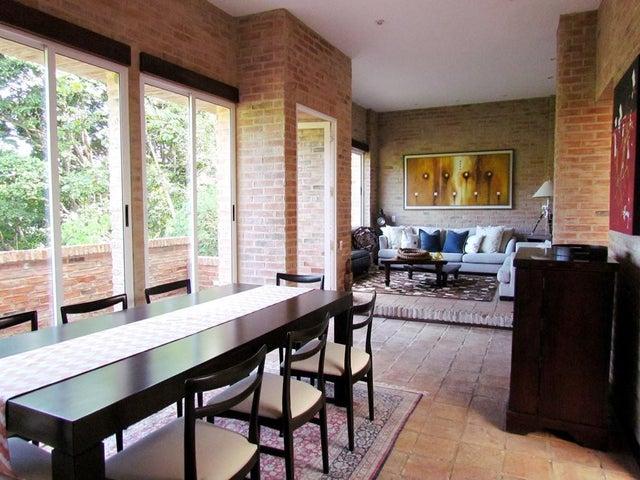 Casa Distrito Metropolitano>Caracas>La Lagunita Country Club - Venta:270.228.000.000 Precio Referencial - codigo: 17-15427