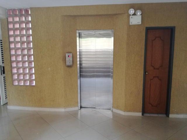 Apartamento Lara>Barquisimeto>Las Trinitarias - Venta:42.784.000.000 Precio Referencial - codigo: 17-15443