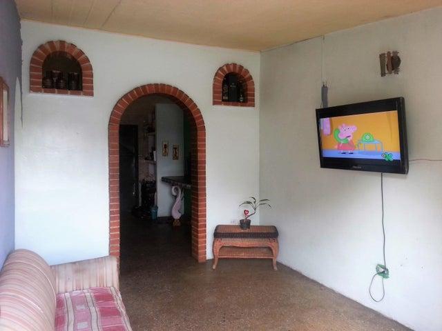 Casa Carabobo>Valencia>Flor Amarillo - Venta:530.000.000 Bolivares - codigo: 17-15447