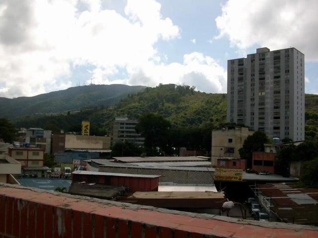 Local Comercial Distrito Metropolitano>Caracas>Municipio Baruta - Venta:3.544.455.000.000 Precio Referencial - codigo: 17-15445