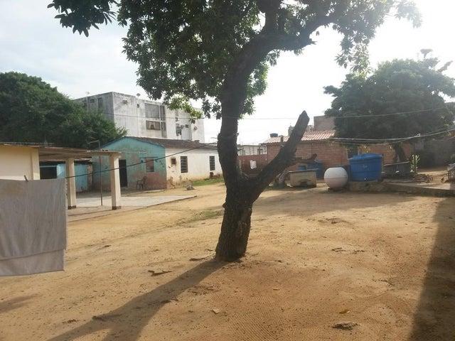 Terreno Zulia>Maracaibo>La Macandona - Venta:2.251.000 Precio Referencial - codigo: 17-15456