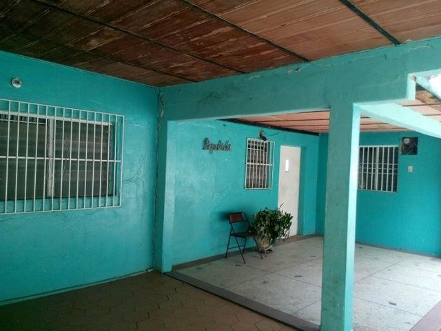 Casa Falcon>Coro>Centro - Venta:2.776.000.000 Bolivares - codigo: 17-15486