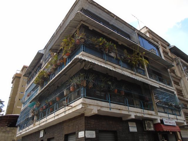 Apartamento Distrito Metropolitano>Caracas>El Paraiso - Venta:2.308.000.000 Bolivares Fuertes - codigo: 17-15464
