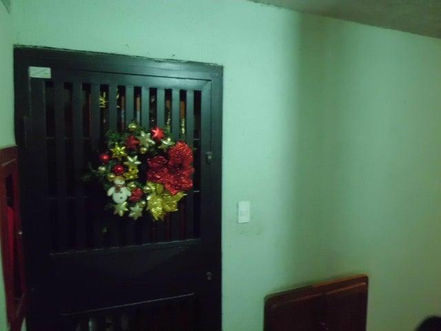 Apartamento Carabobo>Valencia>Los Caobos - Venta:2.030.000.000 Bolivares Fuertes - codigo: 17-15466
