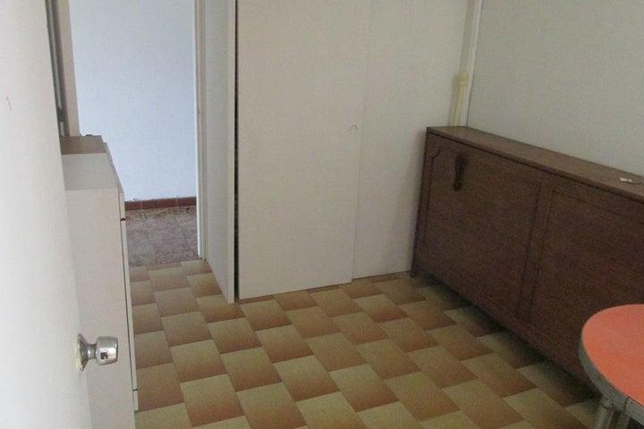 Apartamento Distrito Metropolitano>Caracas>Horizonte - Alquiler:46.000.000 Bolivares Fuertes - codigo: 17-15476