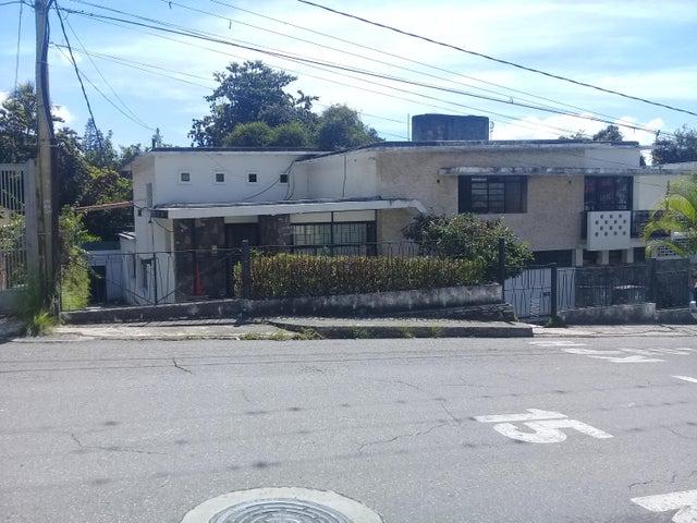 Casa Distrito Metropolitano>Caracas>Los Palos Grandes - Venta:295.000 US Dollar - codigo: 17-15493