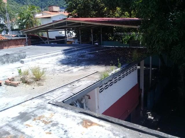 Casa Distrito Metropolitano>Caracas>Los Palos Grandes - Venta:112.793.000.000 Bolivares - codigo: 17-15493