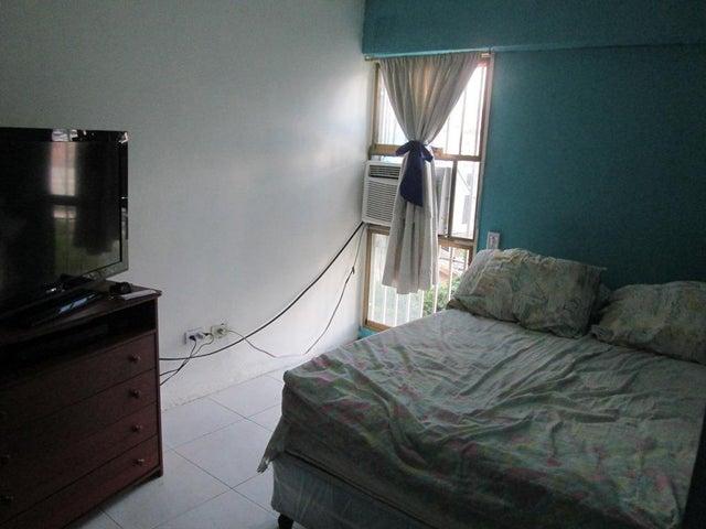 Apartamento Distrito Metropolitano>Caracas>El Paraiso - Venta:305.696.000 Precio Referencial - codigo: 17-15484