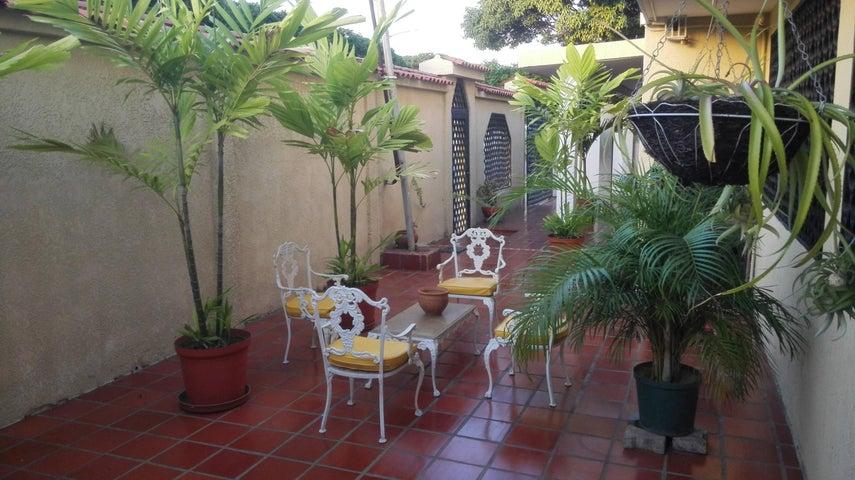 Casa Zulia>Maracaibo>Cumbres de Maracaibo - Venta:27.483.000.000 Precio Referencial - codigo: 18-140