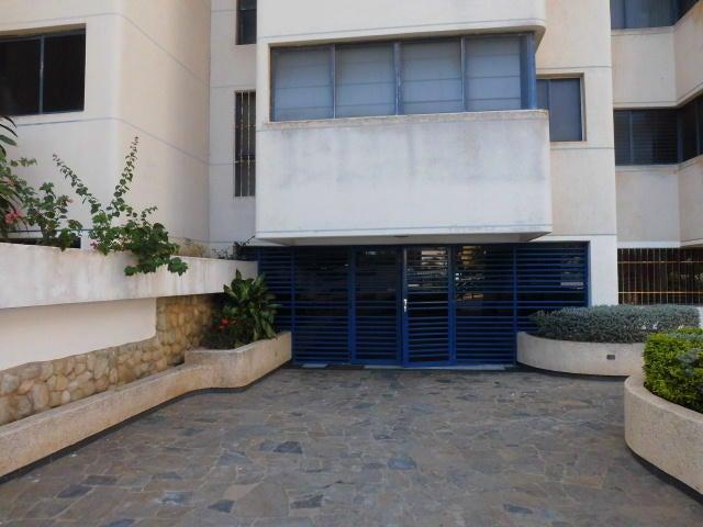 Apartamento Vargas>Catia La Mar>Playa Grande - Venta:6.257.000 Precio Referencial - codigo: 17-15539