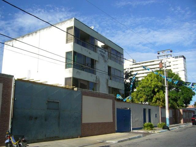 Apartamento Nueva Esparta>Margarita>Porlamar - Venta:13.000 US Dollar - codigo: 17-15587