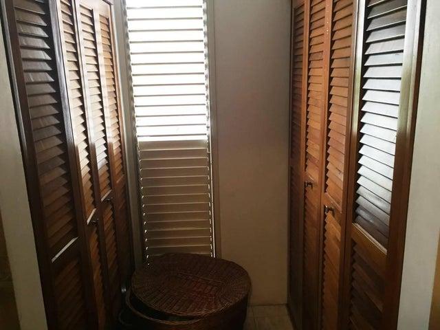 Apartamento Distrito Metropolitano>Caracas>Alto Prado - Venta:200.000 US Dollar - codigo: 17-15754