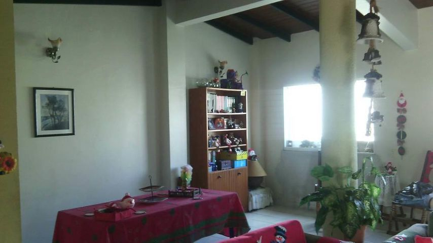 Casa Lara>Cabudare>Los Cerezos - Venta:15.992.000.000 Precio Referencial - codigo: 17-15771