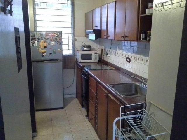 Apartamento Lara>Cabudare>Almarriera - Venta:4.886.000.000 Precio Referencial - codigo: 18-259