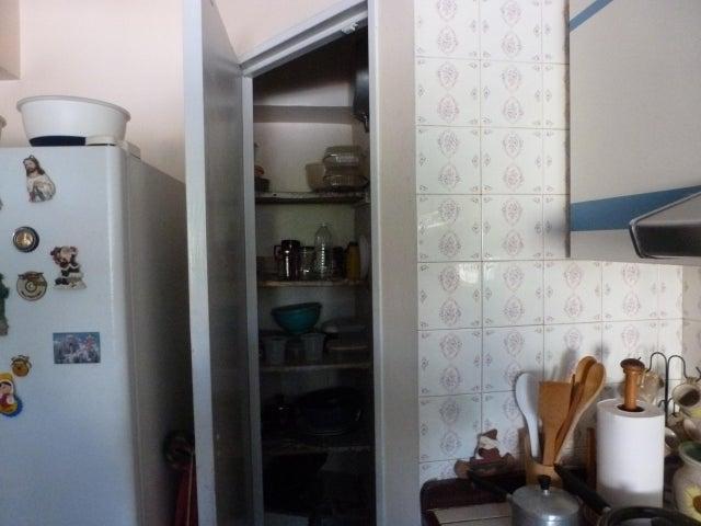 Apartamento Distrito Metropolitano>Caracas>El Paraiso - Venta:65.000 US Dollar - codigo: 18-81
