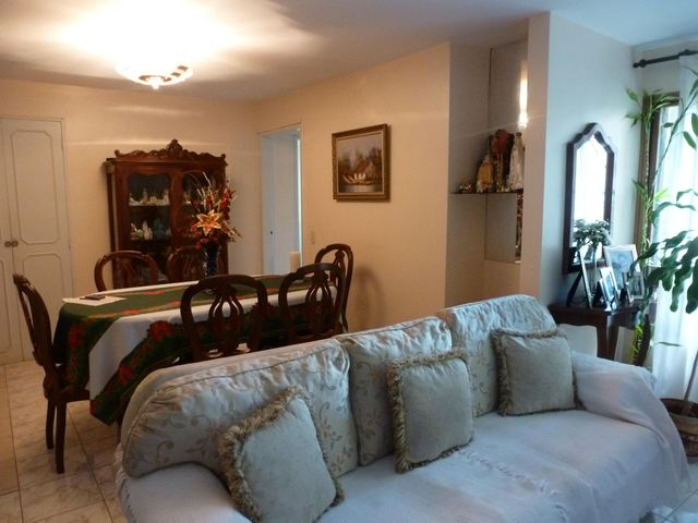 Apartamento Distrito Metropolitano>Caracas>El Paraiso - Venta:65.000 Precio Referencial - codigo: 18-81