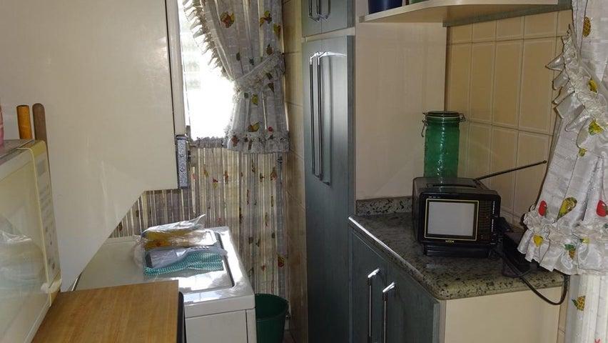 Apartamento Distrito Metropolitano>Caracas>La Florida - Venta:5.442.000 Precio Referencial - codigo: 18-118