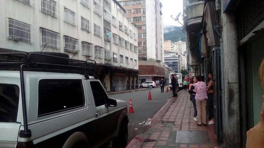 Apartamento Distrito Metropolitano>Caracas>Parroquia La Candelaria - Venta:2.313.000 Precio Referencial - codigo: 18-121