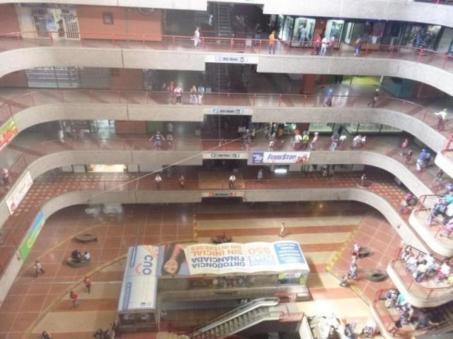 Local Comercial Distrito Metropolitano>Caracas>El Valle - Venta:58.057.000 Precio Referencial - codigo: 18-125