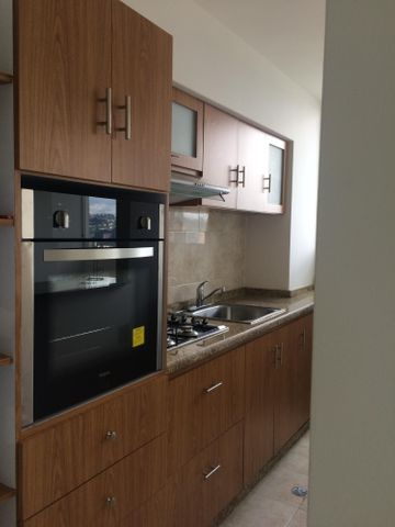 Apartamento Distrito Metropolitano>Caracas>Municipio Baruta - Venta:2.883.000 Precio Referencial - codigo: 18-126